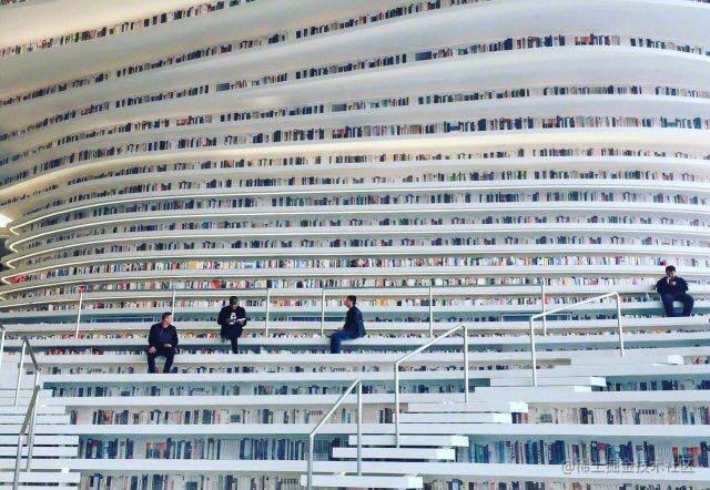 国内某高校图书馆